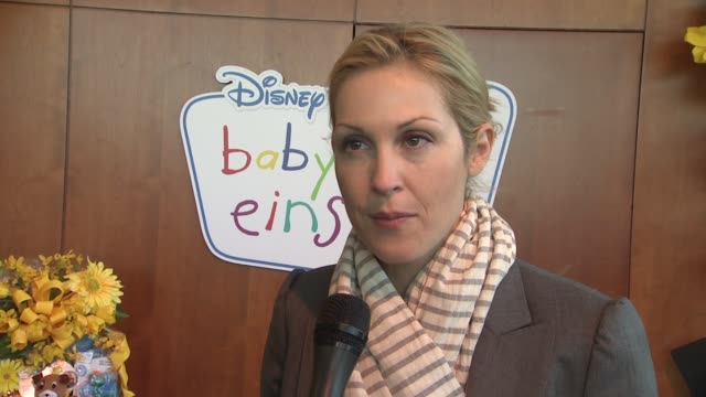 kelly rutherford describes what she does with her children at the disney baby einstein kelly rutherford launch the baby einstein discovery kits at... - kelly rutherford stock videos & royalty-free footage