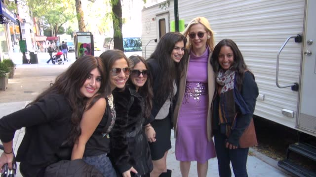 kelly rutherford on location for 'gossip girl' in new york ny on 10/16/12 - kelly rutherford stock videos & royalty-free footage