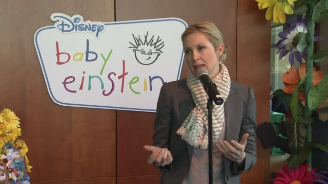 kelly rutherford says she's a fan of baby einstein products and describes the discovery kits at the disney baby einstein kelly rutherford launch the... - kelly rutherford stock videos & royalty-free footage