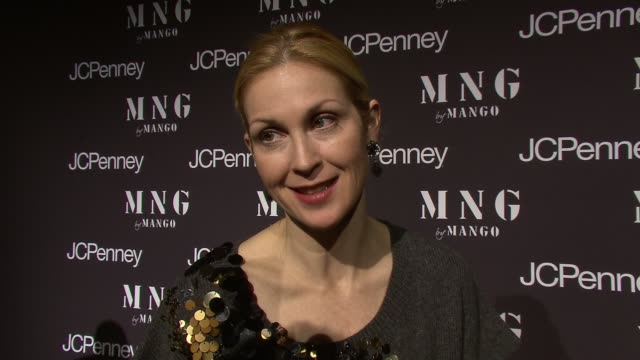 kelly rutherford talking about what she thinks of getting a good deal at the launch of mng by mango at jcpenney at new york ny - kelly rutherford stock videos & royalty-free footage