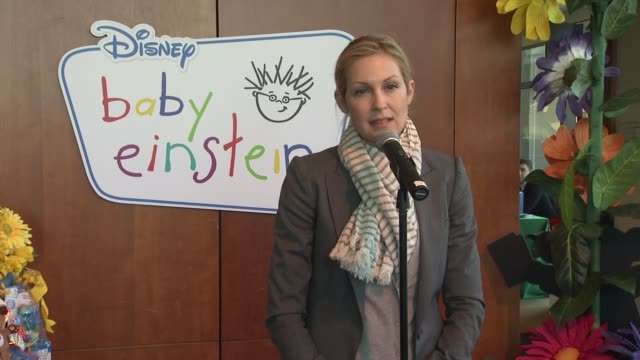 kelly rutherford talks about her two children and how she uses baby einstein products at the disney baby einstein kelly rutherford launch the baby... - kelly rutherford stock videos & royalty-free footage