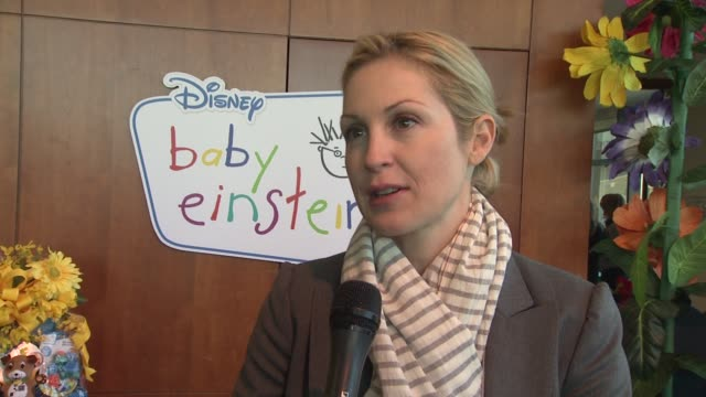 kelly rutherford talks about playdates with other celebrities' children such as brooke shields at the disney baby einstein kelly rutherford launch... - kelly rutherford stock videos & royalty-free footage