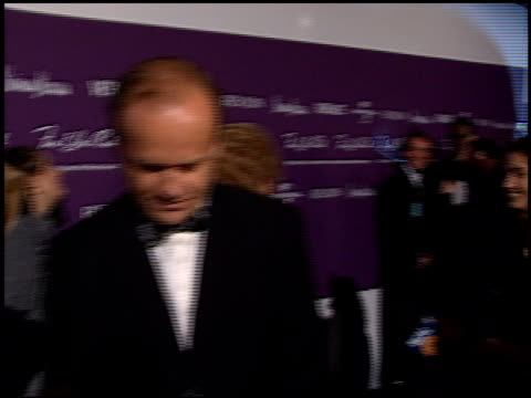 vídeos de stock e filmes b-roll de kelsey grammer at the 1998 fire and ice ball entrances at universal studios in universal city, california on december 9, 1998. - universal city