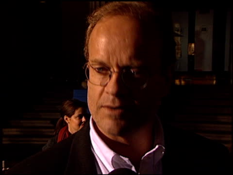 kelsey grammer at the premiere of 'the royal tenenbaums' at the el capitan theatre in hollywood california on december 6 2001 - el capitan theatre stock videos & royalty-free footage