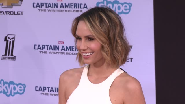 vídeos y material grabado en eventos de stock de keltie knight at the captain america the winter soldier los angeles premiere at the el capitan theatre on march 13 2014 in hollywood california - cines el capitán