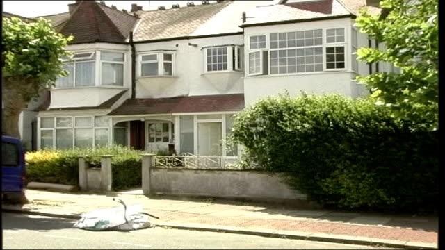 vídeos y material grabado en eventos de stock de kemi adeyoola found guilty of anne mendel's murder tx london golders green ext mendel's house zoom in - golders green
