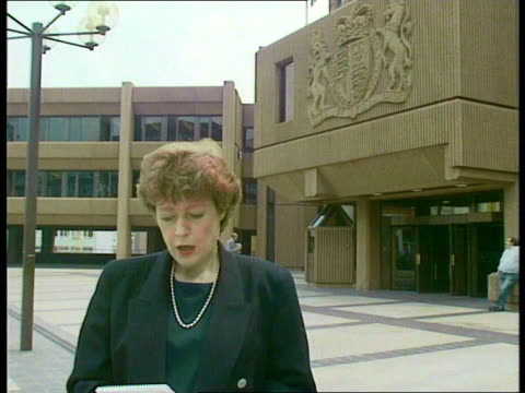 Acquittal ENGLAND Liverpool Queen Elizabeth II Law Courts EXT Cullen i/c Various of people gathered outside court c NAO VIDEO ex ENG via GRANADA