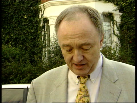 stockvideo's en b-roll-footage met mayor lib ken livingstone chatting to press outside his house sot nice to have trappist period every now and again/ ms photographers - ken livingstone