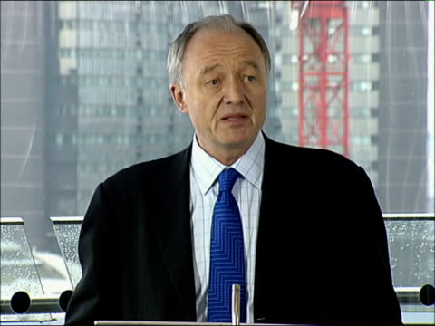 ken livingstone concentration camp comments row continues; england london city hall ext london mayor, ken livingstone towards as arriving for work... - zoom in点の映像素材/bロール