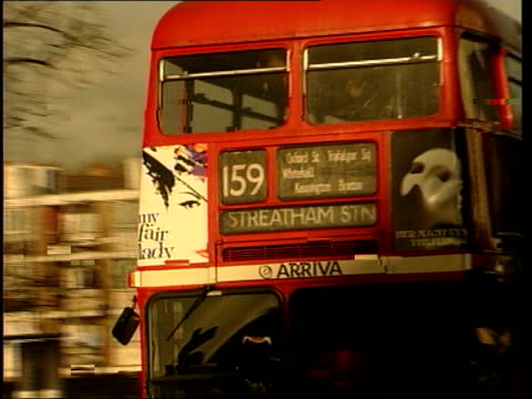 stockvideo's en b-roll-footage met ken livingstone promises changes for london; ext cms 'belgrave road' road sign angie bray interview sot - it will move traffic elsewhere cms camera... - 40 seconds or greater