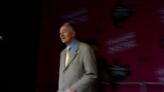 stockvideo's en b-roll-footage met ken livingstone says tory party 'riddled' with homosexuality r30111118 london ext ken livingstone on to stage to address rally - ken livingstone