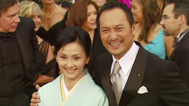 ken watanabe and kaho minami at the 2007 academy awards arrivals at the kodak theatre in hollywood, california on february 25, 2007. - 授賞式点の映像素材/bロール