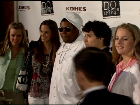 kenan thompson and brick awards winners at the 2006 brick awards from do something in celebration of young social entrepreneurs and celebrity and... - do something organization stock videos & royalty-free footage