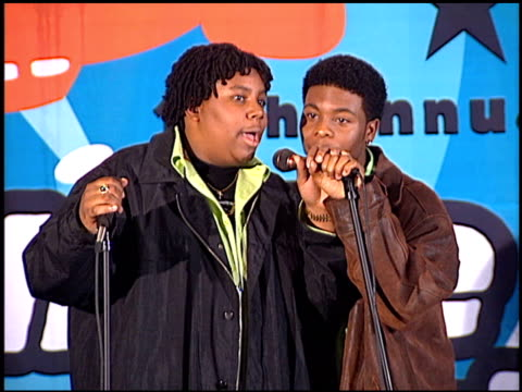 kenan thompson at the 1998 nickelodeon kids' choice awards at ucla in westwood, california on april 4, 1998. - nickelodeon stock videos & royalty-free footage