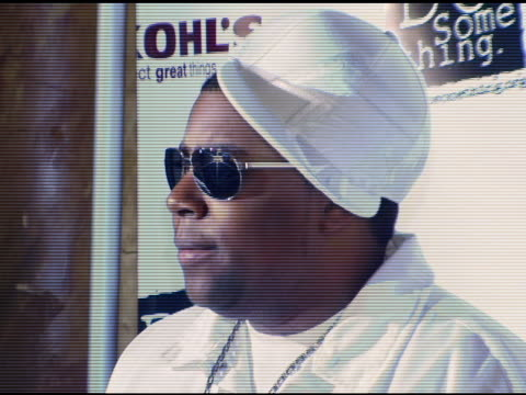 kenan thompson at the 2006 brick awards from do something in celebration of young social entrepreneurs and celebrity and corporate philanthropists at... - do something awards stock videos & royalty-free footage