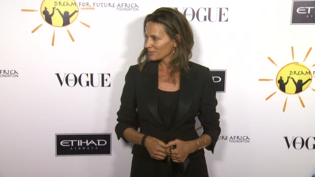 kendall conrad at gelila and wolfgang puck's dream for future africa foundation gala in beverly hills, ca, on . - ウォルフギャング パック点の映像素材/bロール
