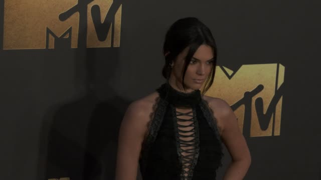 kendall jenner at the 2016 mtv movie awards at warner bros studios on april 9 2016 in burbank california - mtv movie & tv awards stock videos & royalty-free footage