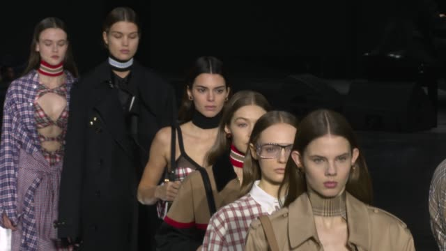 kendall jenner gigi hadid at the london fashion week a/w 2020 - burberry at olympia london on february 17, 2020 in london, england. - raw footage stock videos & royalty-free footage