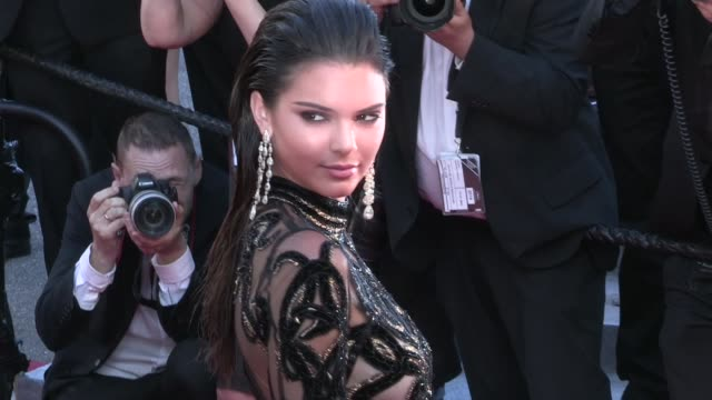 vídeos y material grabado en eventos de stock de kendall jenner stuns on the red carpet for the premiere of mal de pierres at the cannes film festival 2016 sunday 15th may 2016 cannes france - mal de pierres