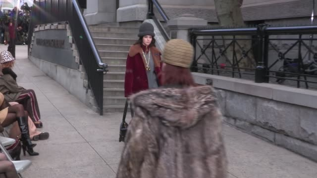kendall jenner, winnie harlow and their fellow models on the runway for the marc jacobs ready to wear fall winter 2017 fashion show in new york city... - デザイナー マーク・ジェイコブス点の映像素材/bロール