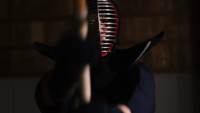 kendo practice in dojo, tokyo, japan. - エンタメ総合点の映像素材/bロール