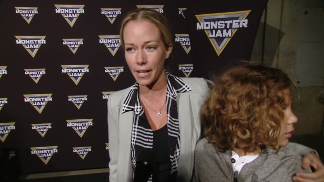 vídeos y material grabado en eventos de stock de interview kendra wilkinson baskett at monster jam celebrity event at angel stadium on february 24 2018 in anaheim california - angel stadium