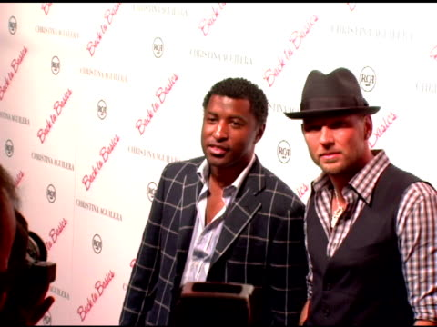 kenneth 'babyface' edmonds and guest at the christina aguilera album party at marquee in new york new york on august 15 2006 - marquee nightclub manhattan stock-videos und b-roll-filmmaterial