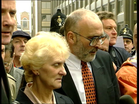kenneth noye found guilty of murder kenneth noye found guilty of murder itn old bailey ken toni cameron posing for photocall smiling outside court... - after life stock videos & royalty-free footage
