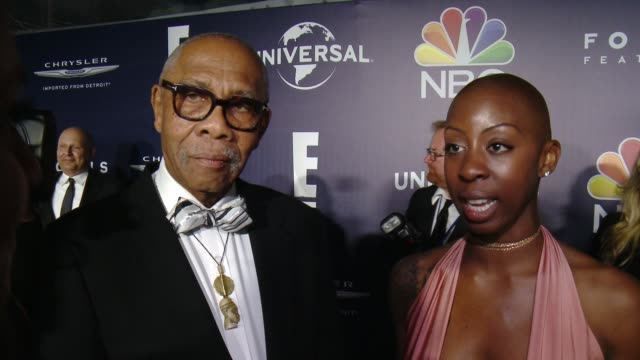 vídeos de stock e filmes b-roll de kenneth walker and oge egbuonu on what it means for loving to be recognized by the golden globes, why it was so important to tell this story now at... - the beverly hilton hotel