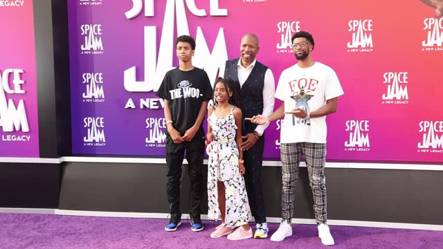 """kenny smith attends the premiere of warner bros """"space jam: a new legacy"""" at regal live on july 12, 2021 in los angeles, california. - space jam stock videos & royalty-free footage"""