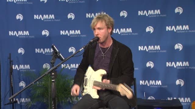 vídeos de stock e filmes b-roll de kenny wayne shepherd on the guitar app at the 2012 namm show media preview day on 1/18/12 in anaheim ca - anaheim califórnia