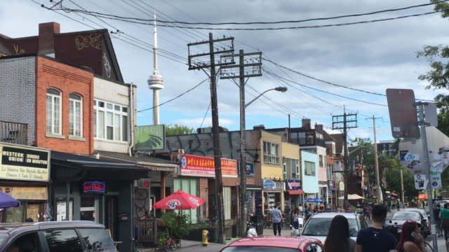 Kensington Market Establishing Shot in Daytime - Toronto, Canada