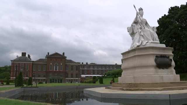 london kensington palace ext various shots of queen victoria statue pond and kensington palace / palace seen beyond plants in grounds - kensington palace video stock e b–roll