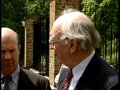 value for money ms group of mps along out of palace ms mps at gates as delivery van along behind alan williams mp interview sot prince michael pays... - prinz michael von kent stock-videos und b-roll-filmmaterial