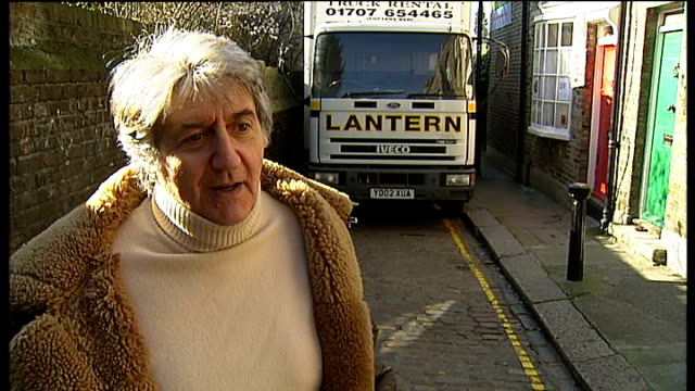 vídeos de stock e filmes b-roll de kentish town cobbled lane in danger from redevelopment; tom conti interview sot - kentish town