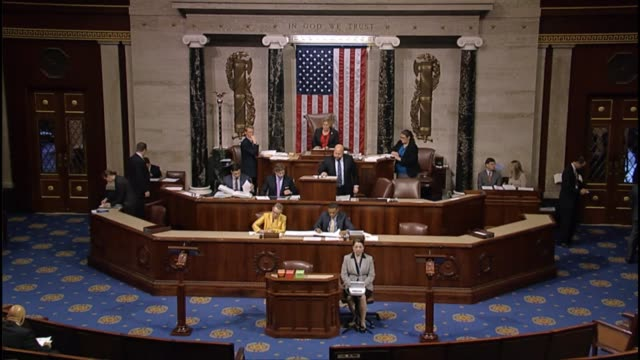 vidéos et rushes de kentucky congressman hal rogers calls up the bipartisan budget agreement for floor consideration in the house the clerk reads the title and the house... - united states congress