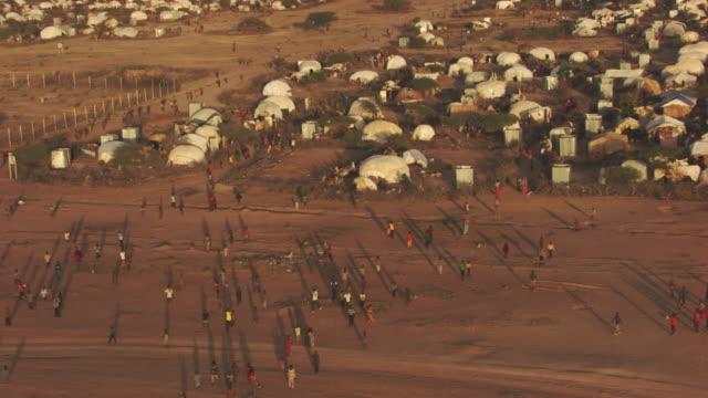 Kenya Dadaab : Wide plan of people in the refugee camp