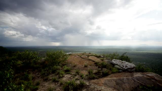 vídeos de stock e filmes b-roll de kenyan hills, battlefields in ww1 - pradaria