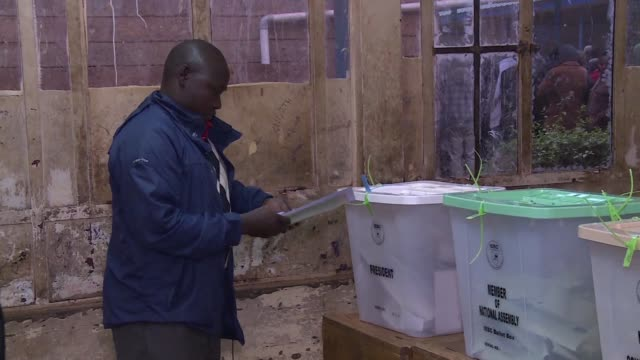 kenyans begin voting in general elections headlined by a too close to call battle between incumbent uhuru kenyatta and his rival raila odinga... - raila odinga stock videos and b-roll footage