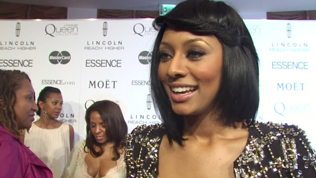 vídeos de stock, filmes e b-roll de keri hilson on today's event supporting this years honorees and what has made essence last the throughout the last 40 years at the 3rd annual essence... - cetim