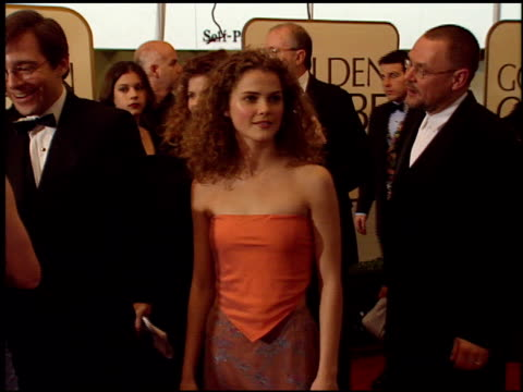 vídeos de stock e filmes b-roll de keri russell at the 1999 golden globe awards at the beverly hilton in beverly hills california on january 24 1999 - 1999