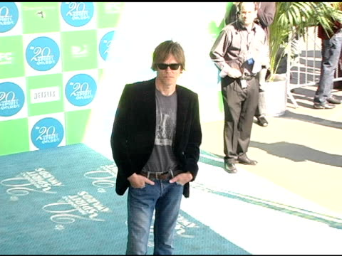 Kevin Bacon at the 20th Annual Independent Spirit Awards Arrivals and Interviews at Santa Monica in Santa Monica California on February 26 2005