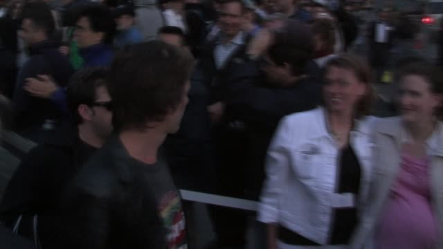 Kevin Bacon at the Apple Store Opening at the Apple Store 59th Street and 5th Avenue in New York New York on May 19 2006