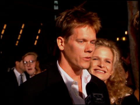 kevin bacon at the premiere of 'the river wild' at grauman's chinese theatre in hollywood california on september 25 1994 - 1994年点の映像素材/bロール