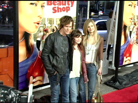 kevin bacon, sosie bacon and kyra sedgwick at the 'beauty shop' world premiere at the mann national theatre in westwood, california on march 24, 2005. - mann national theater video stock e b–roll