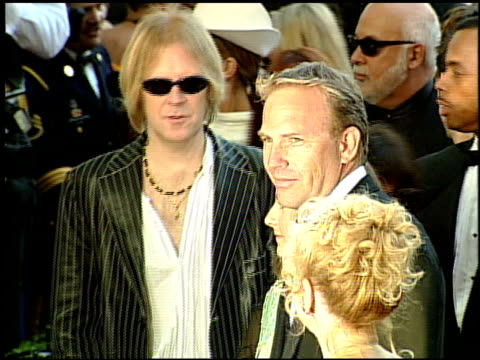 kevin costner at the 1999 academy awards at the shrine auditorium in los angeles california on march 21 1999 - kevin costner stock videos & royalty-free footage