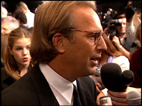 kevin costner at the 'thirteen days' premiere at the mann village theatre in westwood california on december 18 2000 - kevin costner stock videos & royalty-free footage