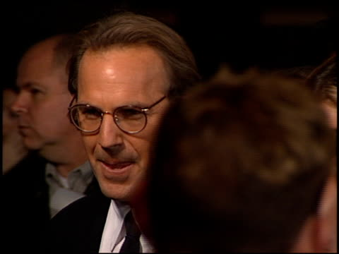 stockvideo's en b-roll-footage met kevin costner at the 'thirteen days' premiere at the mann village theatre in westwood california on december 18 2000 - kevin costner