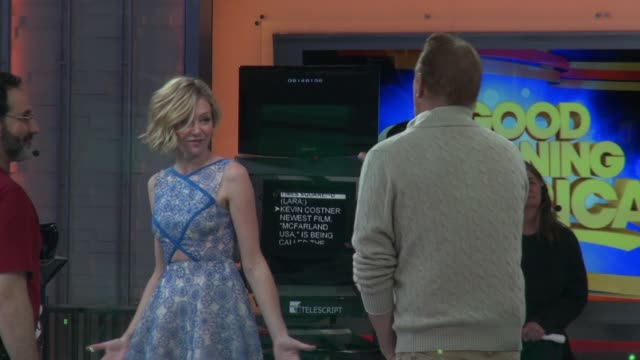 stockvideo's en b-roll-footage met kevin costner meets portia de rossi on the set of the good morning america show at celebrity sightings in new york on february 12 2015 in new york... - kevin costner