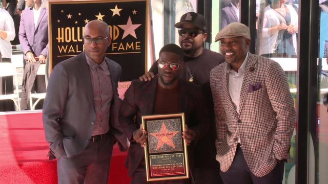stockvideo's en b-roll-footage met kevin hart, ice cube, tim story, will packer at hollywood walk of fame on october 10, 2016 in hollywood, california. - fame